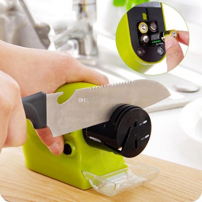 Электрическая точилка для ножей и ножниц Swifty Sharp от батареек